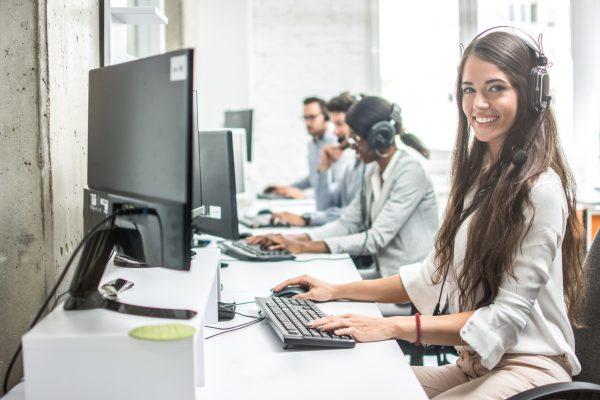 Tips Memilih Layanan Software CS Bagi Pelaku Bisnis